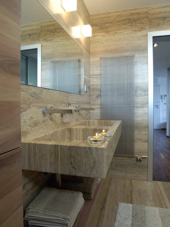 Kamnite plošče - kopalnica